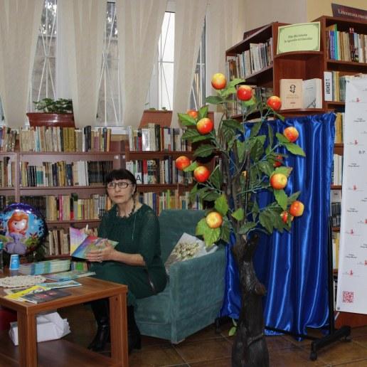 """Zina Izbaș, autoarea cărții """"Prințesa care vrea să zboare"""""""""""